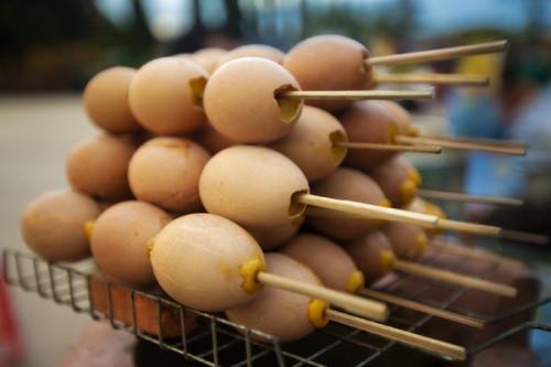 espetinhos-de-ovo-cozido