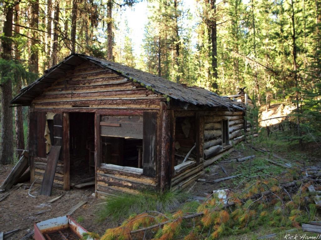 Ah Hee Diggings Log Cabin