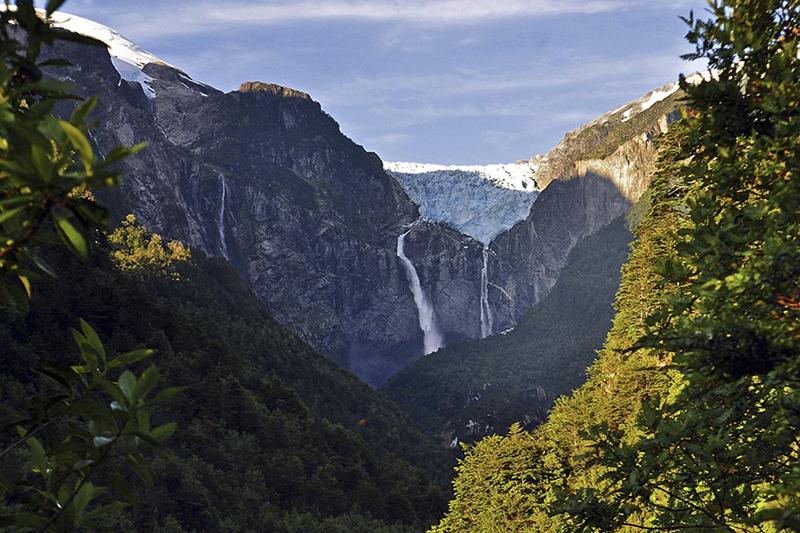 chile-patagonia-carretera-austral-queulat-landscape