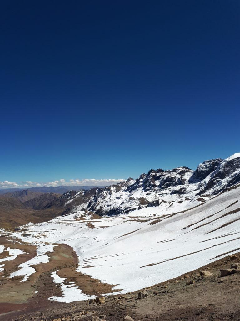 Neve na subida da Montanha das Sete Cores